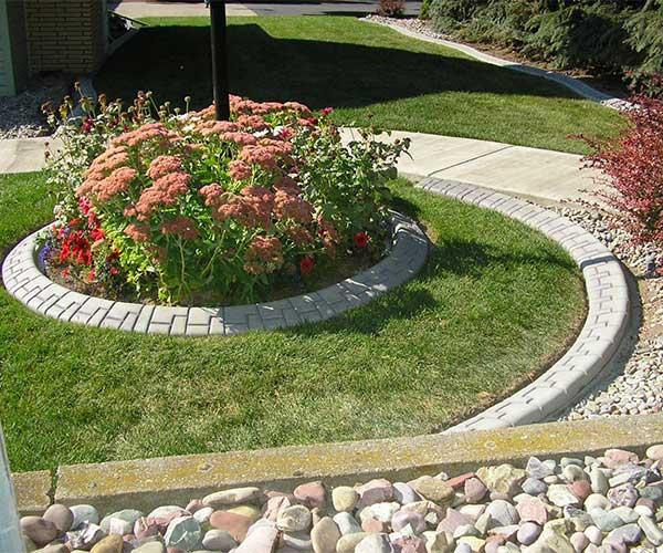 Concrete Landscape Garden Edging Project Gallery - Design continuous free form concrete landscape edging by kwik kerb